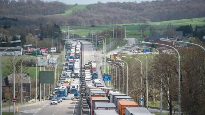 Les camionneurs néerlandais évitent les routes belges