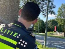 Politie slingert acht hardrijders op de bon bij snelheidscontrole in Dordrecht
