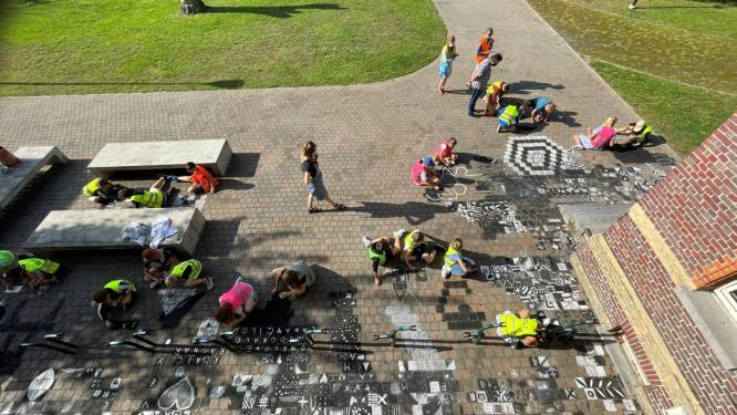 800 kinderen maken mozaïektapijt voor Kunstacademie Maldegem