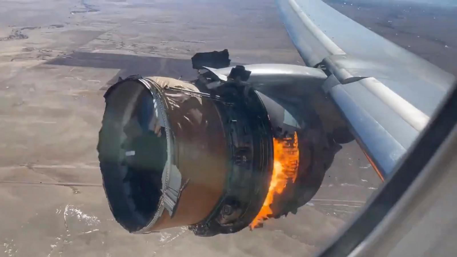 Een passagier filmde de brandende motor.