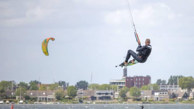 Kitesurfers op oostenwind naar Zeewolde, 'de ideale plek' volgens de gemeente