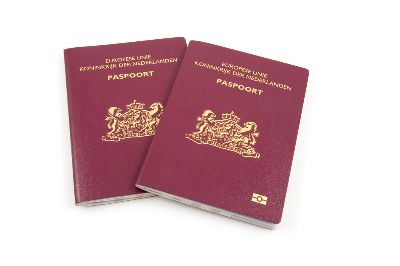 Nederlandse paspoorten.