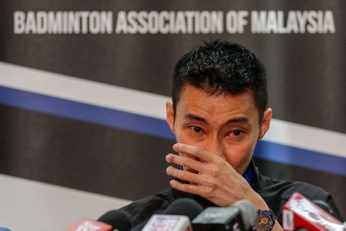 Lee Chong Wei vecht tegen zijn tranen tijdens zijn persconferentie.