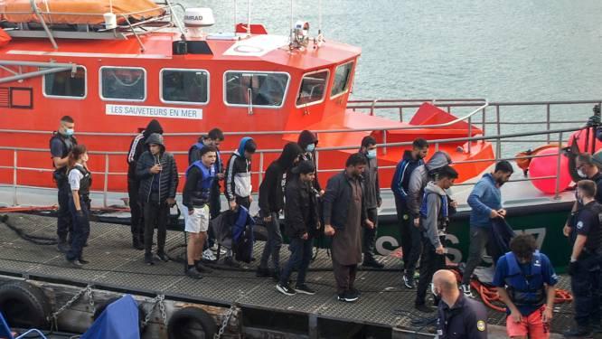 154 migranten gered die Kanaal wilden oversteken naar Engeland