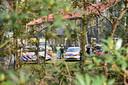 Inzet van politie en ambulancepersoneel na een vechtpartij op het azc in Oisterwijk.
