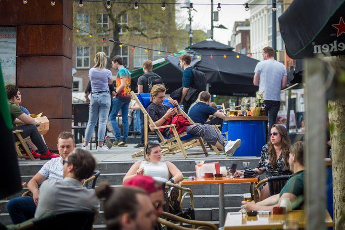 Gezelligheid op het terras in Eindhoven.