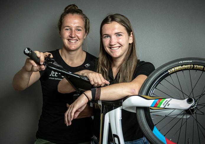 BMX-zussen Merel en Laura Smulders.