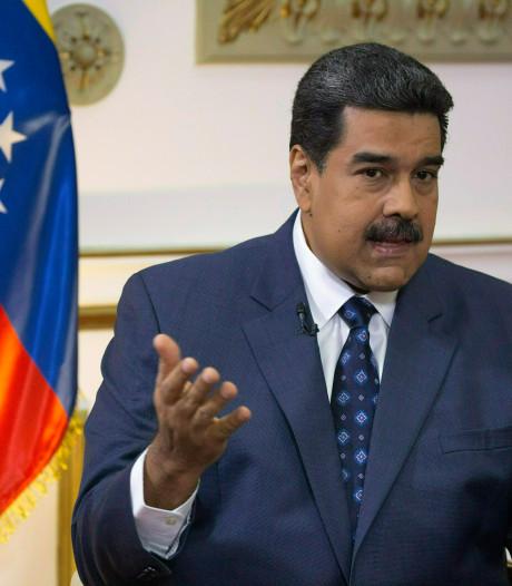 Venezolaanse president Maduro sluit grenzen voor hulpgoederen