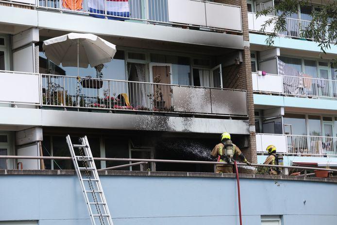 De balkonbrand is de woning ingeslagen aan de Van Leeuwenhoeklaan  in Zoetermeer