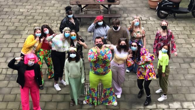 Uitstellen, verkleden en coronaproof vieren: zo gaan de Honderd Dagen door in de Gentse scholen