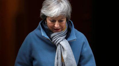 Theresa May wil geen lang uitstel voor brexit, Juncker verwacht deze week nog geen beslissing