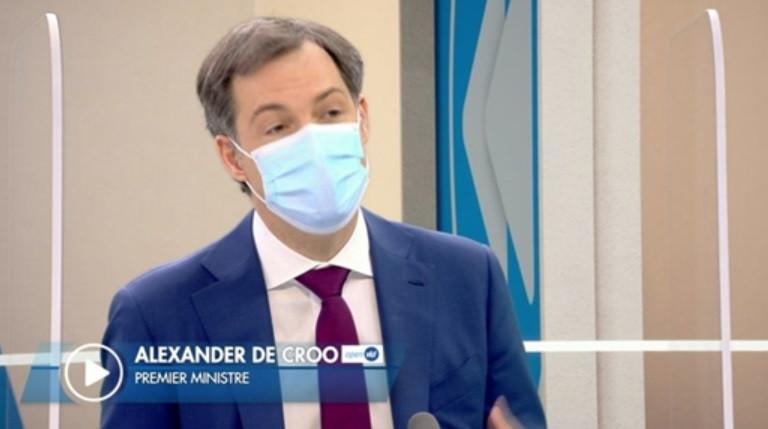 """Alexander De Croo sur le plateau de """"C'est pas tous les jours dimanche""""."""