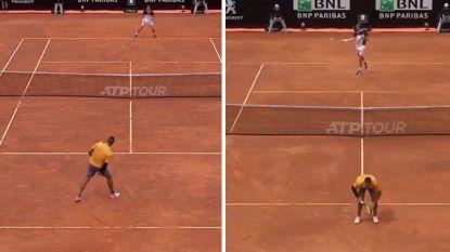 """Zo'n zuurpruim, Nadal"" en ""Djokovic wil alleen maar Federer zijn"": Kyrgios ook naast de court onder stoom"