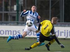 Derby tussen fusieclub FC Dinxperlo en AVW'66