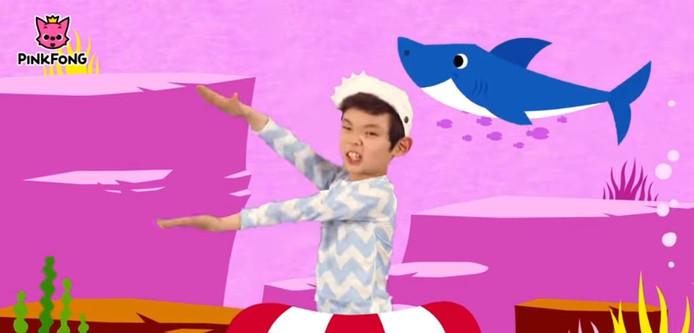Still uit de videoclip
