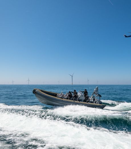 Westlandse duikers bij Zeeuwse kust aangezien voor cocaïnecriminelen: 'Ineens waren er mitrailleurs op ons gericht'
