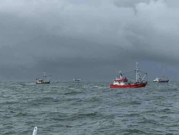Johan Daalder zoekt met andere schepen naar de vermiste Urker kotter.