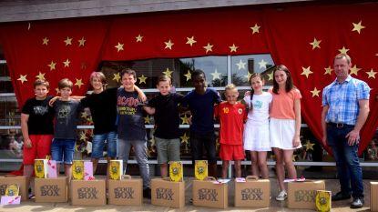 Zesdejaars Sint-Catharina krijgen sCOOLbox