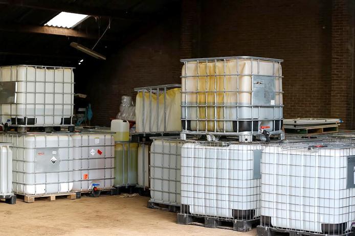 Tienduizenden liters grond- en afvalstoffen synthetische drugs in loods Dorst