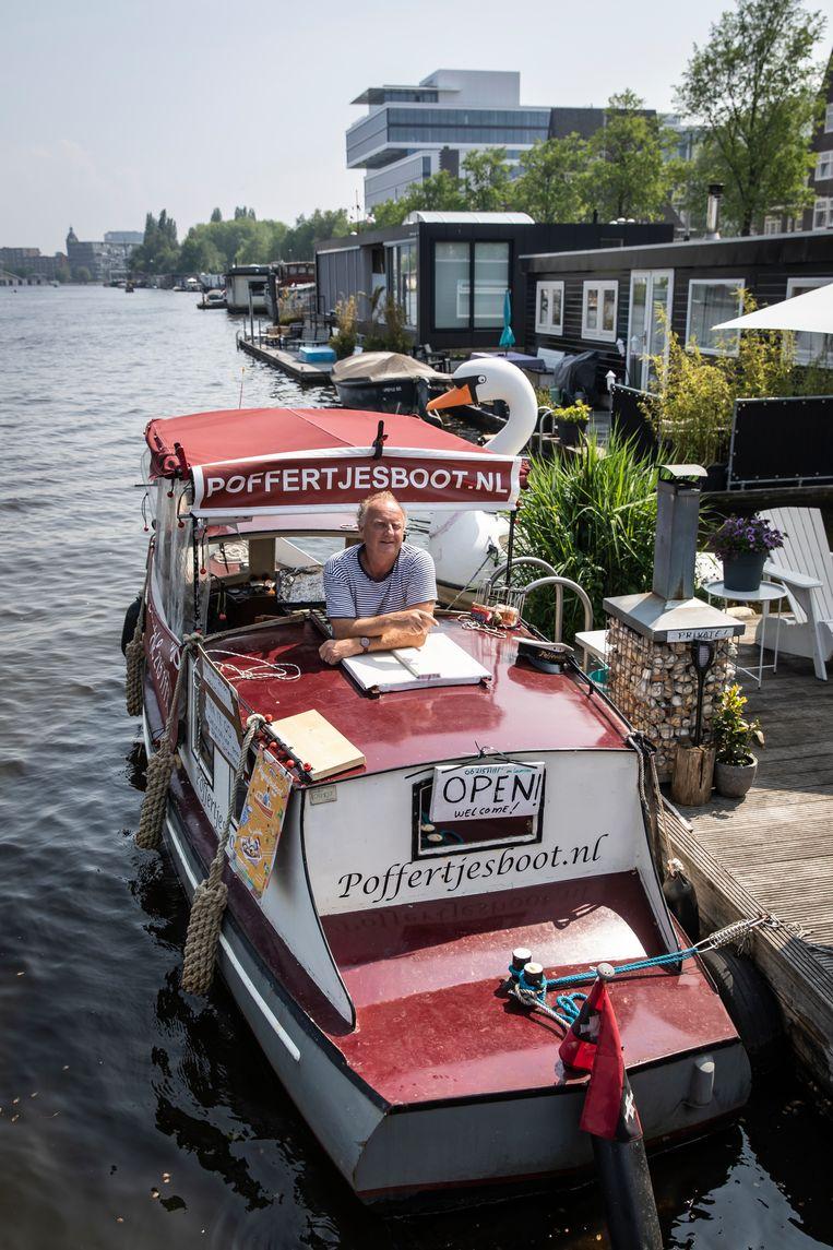 Poffertjesboot. Beeld Dingena Mol