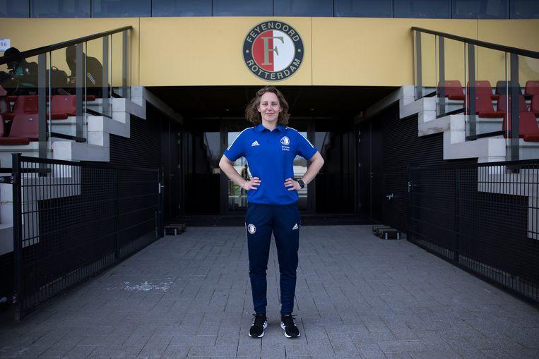 Manon Melis, coordinator vrouwenvoetbal bij Feyenoord op Varkenoord, het trainingscomplex van Feyenoord in Rotterdam. Beeld Arie Kievit