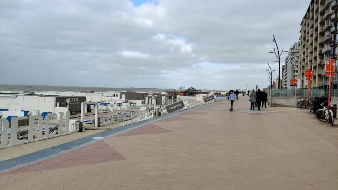Zo kalm was het op de eerste zaterdag van de échte paasvakantie: nauwelijks volk op de dijk van Blankenberge
