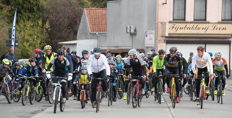 De jeugdinitiatie vertrok aan het Schoolcomplex in Leupegem