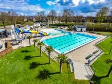 Water in zwembad in Wijhe nog te koud voor eerste duik: 'We krijgen het niet warm gestookt'