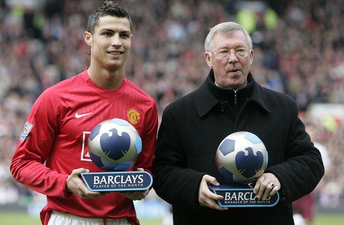 Cristiano Ronaldo met zijn voormalig manager Sir Alex Ferguson, die van 2003 tot 2009 zijn coach was op Old Trafford.
