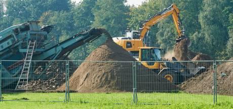 Bodemsanering nieuwbouwplek Elst maar tot één meter diep: 'Je kunt er straks nog geen appelboom planten'