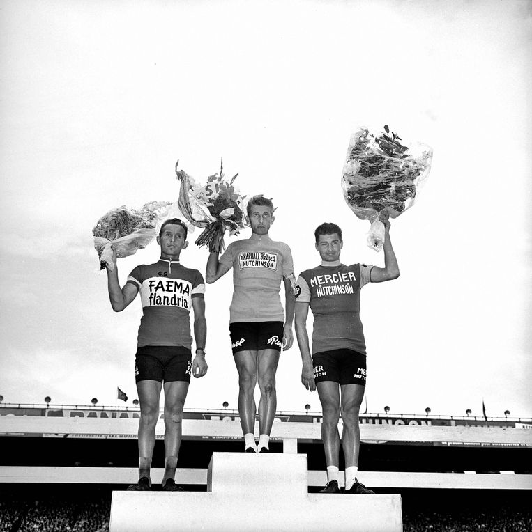 Het podium van de Tour in 1962: Anquetil won, voor Joseph Planckaert (links) en Raymond Poulidor.
