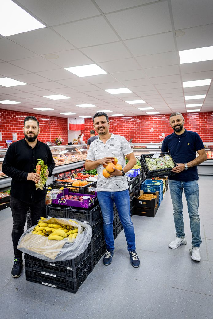 Vlnr: bedrijfsleider Hawar Said en de eigenaren Kosar Hama Aziz en Aalan Ali.