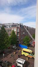 De jongen en het meisje zijn overleden na een val van een dak op de hoek van de Groen van Prinstererstraat en de Cliffordstraat.