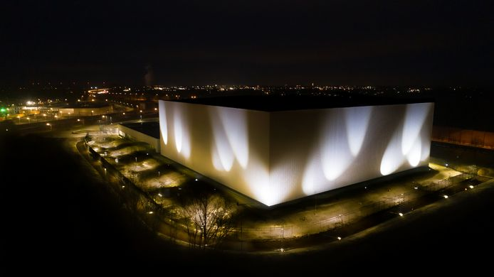 Vanaf woensdagavond beschijnt een lichtkunstwerk van Herman Kuijer het CollectieCentrum Nederland in Vathorst.