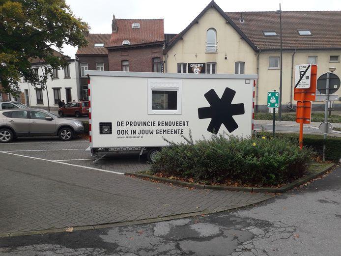 De eerste werfcontainer is gearriveerd in Ruisbroek.