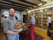 Buitenkansje in Kampen: boekenverkoop uit de collectie 'Van Gelderen'
