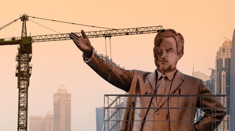 Ronald de Boer-standbeeld in Qatar. Beeld Shutterstock / Studio Speld