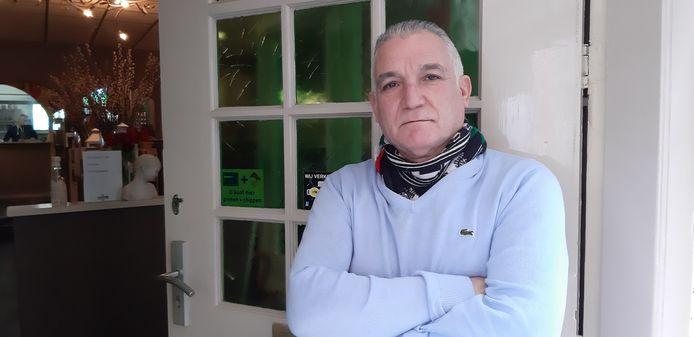 Emidio Fadda, een van de ondernemers in de Deventer binnenstad die baalt van de boetes rond het thuisbezorgen.