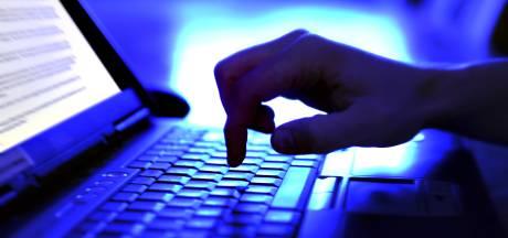 Groot onderzoek naar online oplichting leidt naar Arnhemmer (24) en twee tieners
