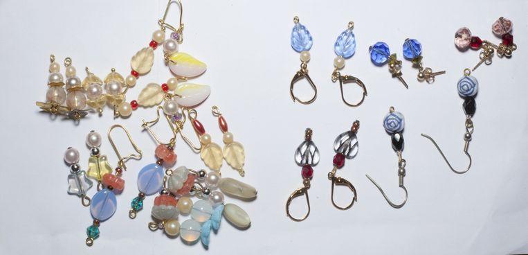 Zelfgemaakte sieraden. Beeld Zahra Reijs