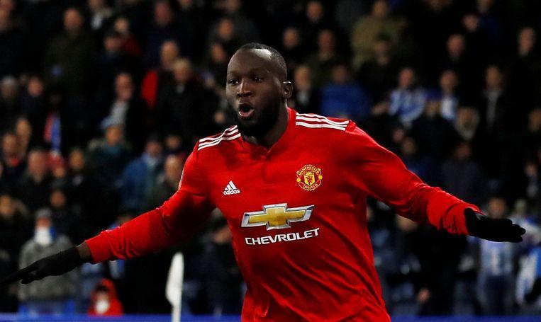 Met zijn twee doelpunten gidste Romelu Lukaku op eigen houtje Manchester United naar de kwartfinales van de FA Cup.