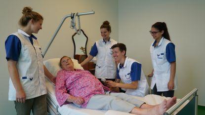 Acteurs helpen studenten Verpleegkunde aantrekken