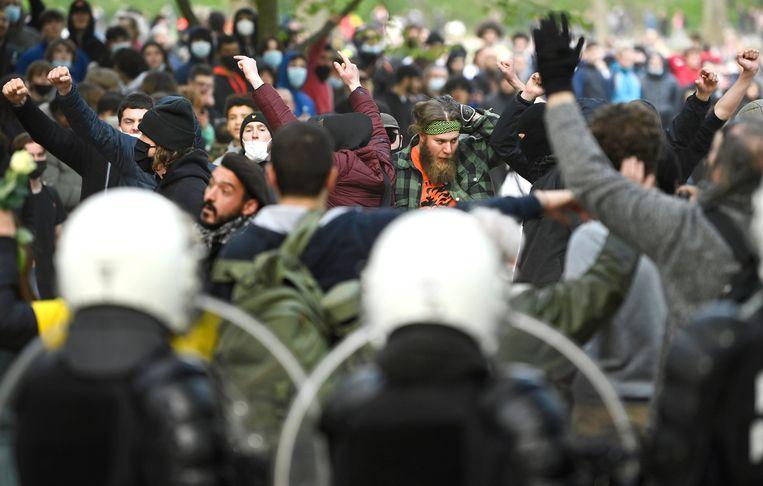 Bij de vorige twee edities van 'La Boum' kwam het tot zware confrontaties tussen aanwezigen en de ordediensten. Beeld Photo News