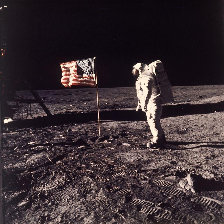 De Amerikaanse astronaut Edwin Aldrin in 1969 op de maan, gefotografeerd door Neil Armstrong.  Beeld AP