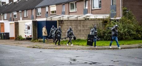Arrestatieteam valt woning in Arnhem binnen om bedreiging winkelier