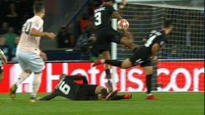VAR eist opnieuw cruciale hoofdrol op: was bal tegen de arm van Kimpembe penalty of niet?