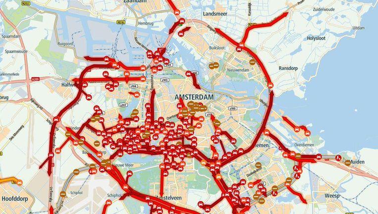 Heel Amsterdam had maandagavond te maken met de gevolgen van de afgesloten Schipholtunnel Beeld ANWB