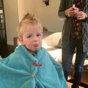 Instagram edwinbrockhoff. Tja, bij gebrek aan kapper doen we 't dan maar zelf. En Arnout geniet met volle teugen.