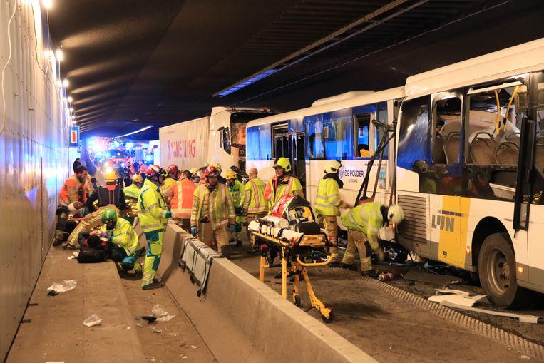 Ongeval in Beverentunnel. Beeld Kristof Pieters