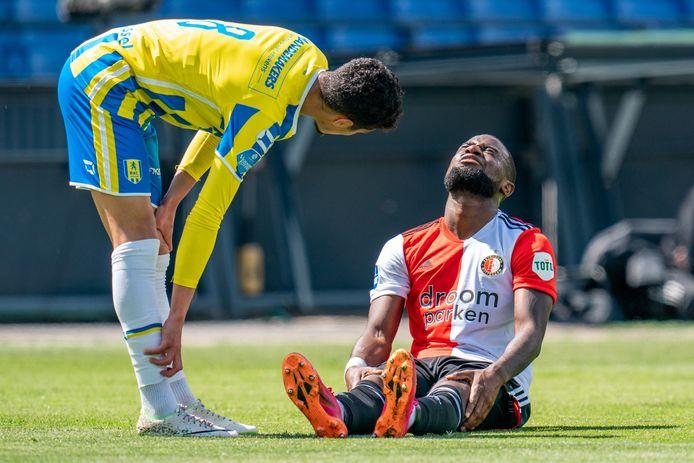 Lutsharel Geertruida haakte al snel af met een blessure.